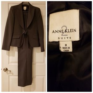 Anne Klein pants suit